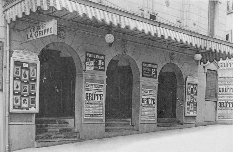 Caf s concerts et music halls for Le miroir rue des martyrs